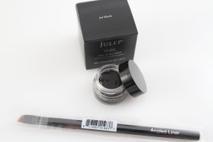 Jet Black Ink Gel Eyeliner Angled Liner