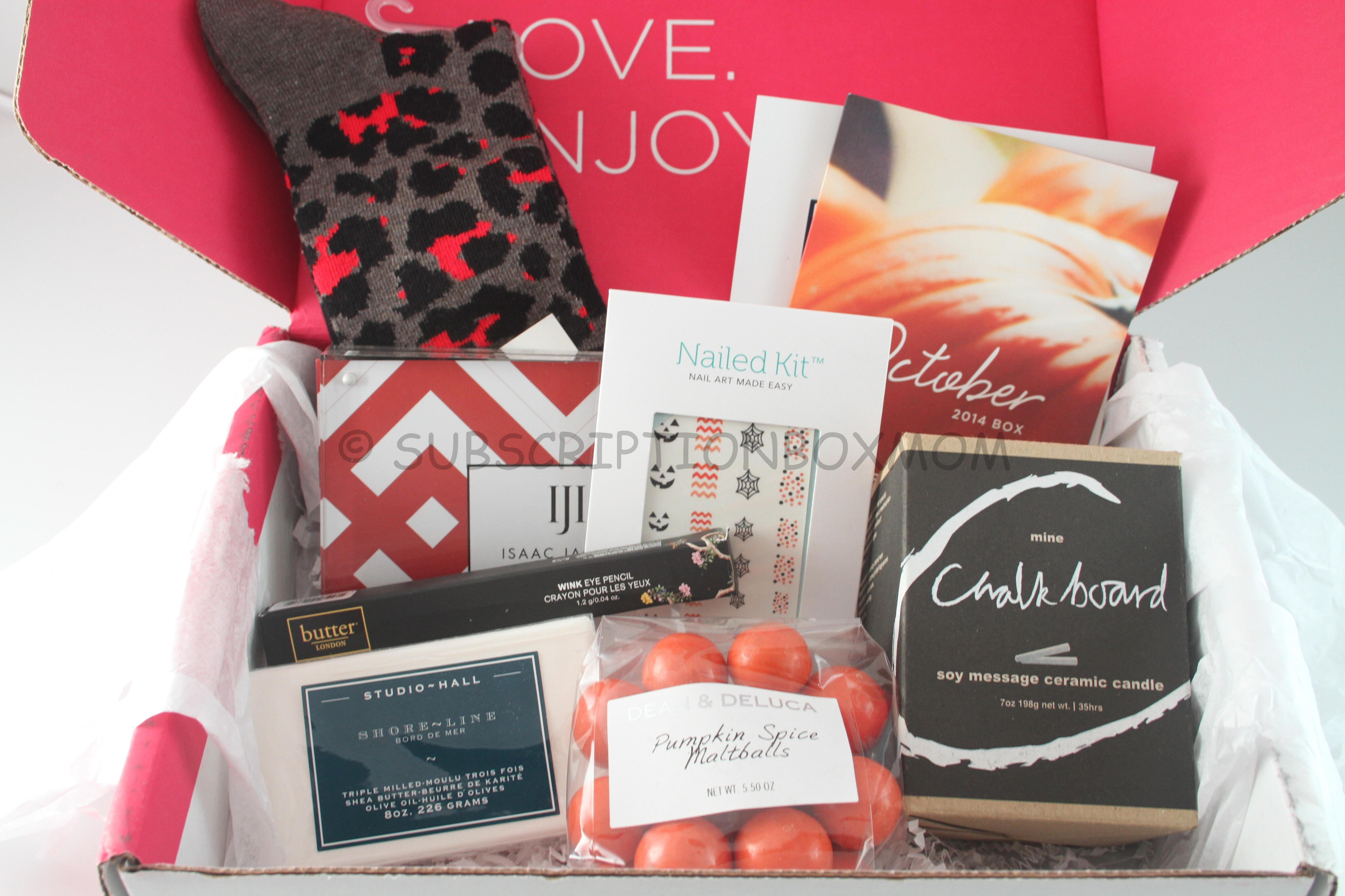 FabFitFun vs. Popsugar Must-Have Fall Box. Having trouble deciding which subscription box to order this Fall? Well rightfully so! Subscription box companies are totally outdoing themselves this season and we get to reap the benefits.