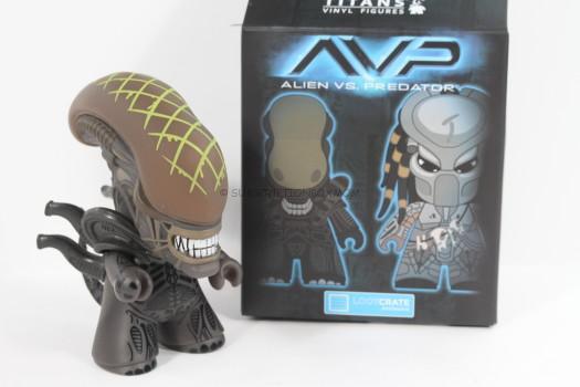 Titan Exclusive Alien vs. Predator 4.5 inch vinyl figures