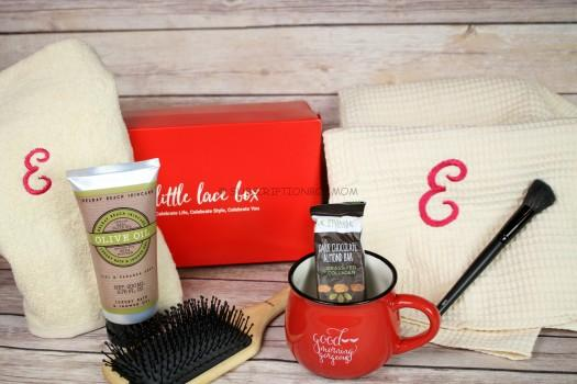 Little Lace Box August 2016 Review