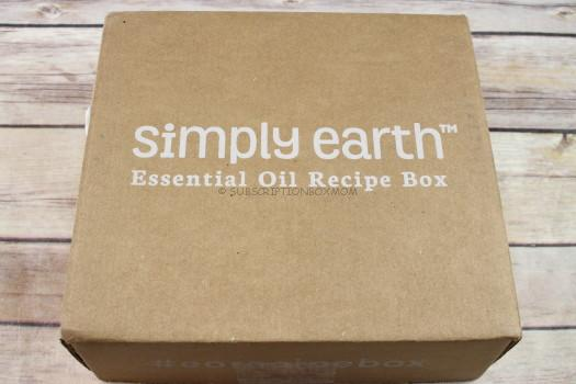 Simply Earth December 2017 Essential Oil Subscription Review