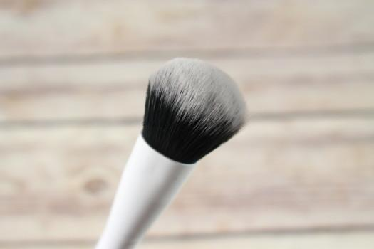 Crown WH035 Pro Blush Brush